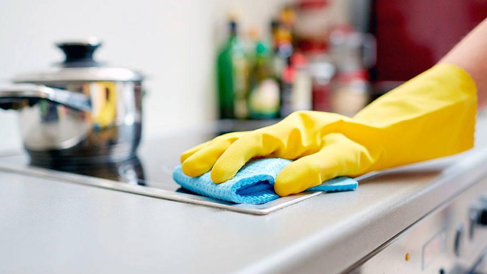 Чистота в загородном доме: кто поможет ее создать?