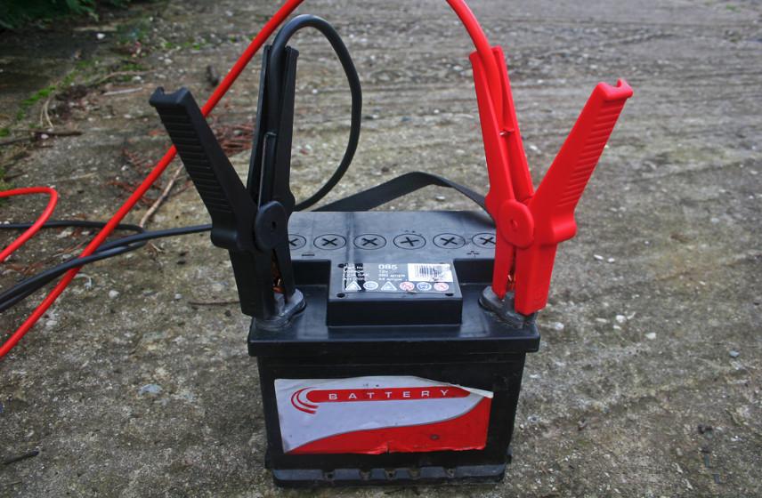 Простое самодельное зарядное устройство для автомобильных аккумуляторов своими руками за 200 рублей