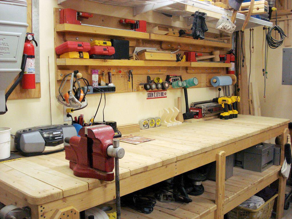 Обустройство гаража: мастерим полезные вещи своими руками и экономим деньги