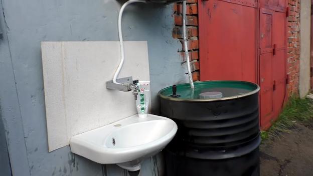 Оригинальный способ водоснабжения гаража: делаем своими руками