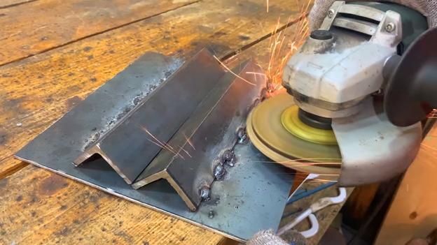 Удобная подставка для сверления труб: делаем из обрезков металла
