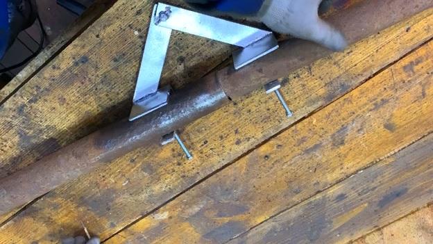 Самоделка для сварщиков: удобно свариваем трубы «в стык»