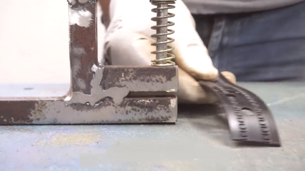 Самодельный дырокол из металлолома