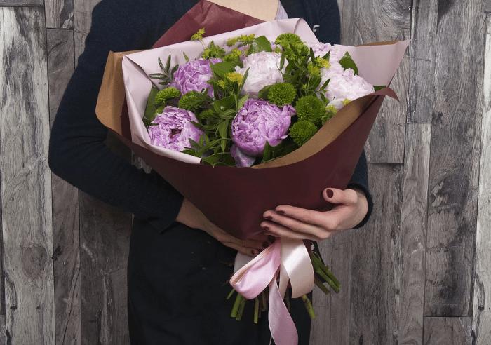 Где заказать доставку цветов в Алматы?