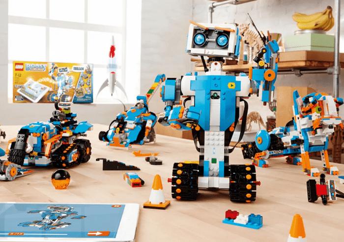 Робототехника и конструкторы LEGO в Санкт-Петербурге
