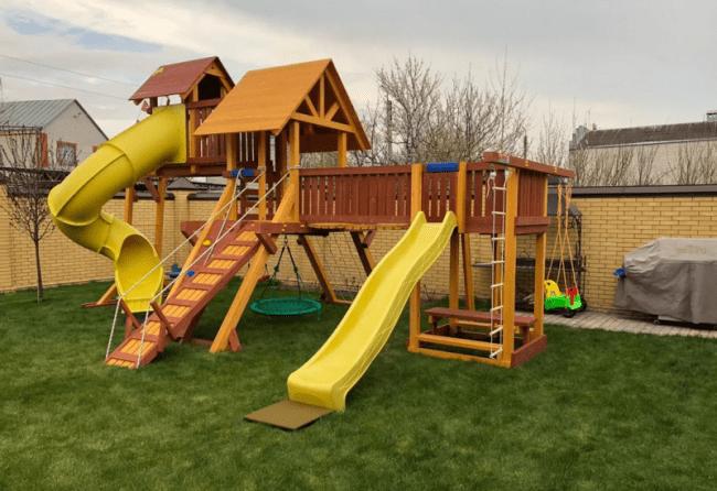 Преимущества детских площадок из дерева