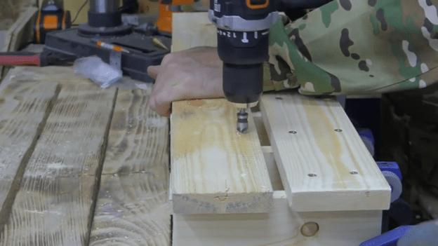 Масштабный держатель для инструментов в гараже своими руками