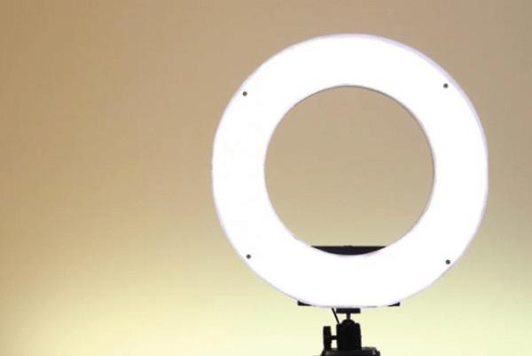 Кольцевая светодиодная лампа для студийной съемк