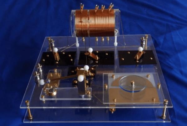 Конденсатор переменной емкости для детекторного приемника