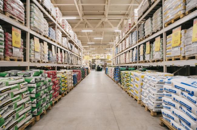 В сети Leroy Merlin объединены более 460 магазинов, расположенных в 12 странах.