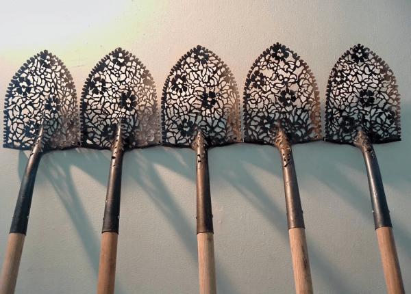 Лопата, как произведение искусства