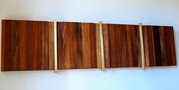 Как сделать «плоскую» вешалку с откидными крючками в стиле модерн