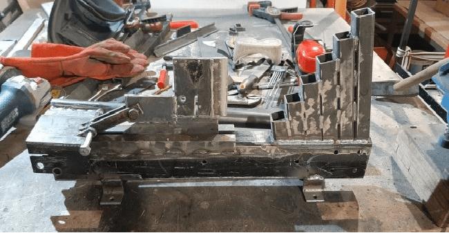 Металлический дровокол (щепокол) с ручным приводом