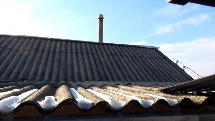 Как надежно и дешево заделать дыру в крыше