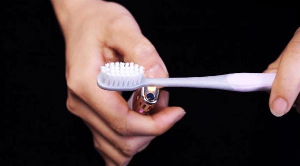 5 способов использования старых зубных щеток