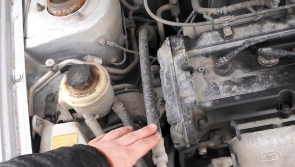 Как безопасно и качественно помыть двигатель своими руками