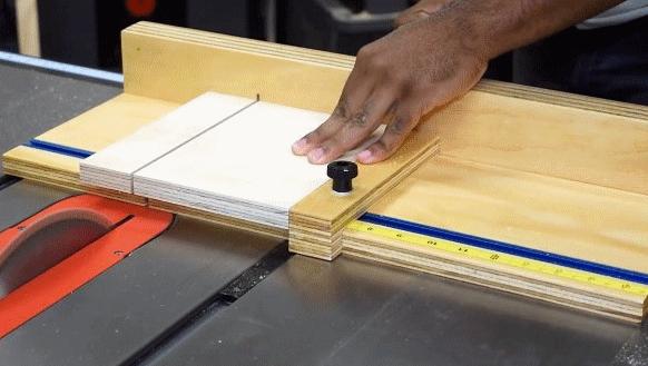 Как сделать простую каретку для циркулярной пилы