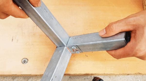 Как без сварки сделать угловое соединение трех профильных труб