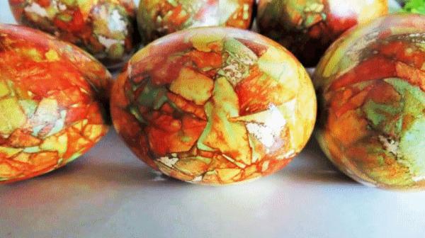 Мраморное окрашивание яиц на Пасху: пошаговый рецепт