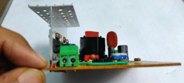 Преобразователь постоянного тока  12 В – 220 В/ 200 Вт