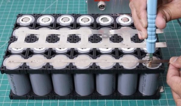 Сборка аккумулятора (LiFePO4) для солнечной панели и не только