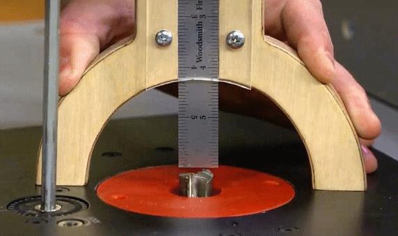 Как сделать простой измеритель высоты (вылета фрез и пильных дисков)