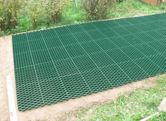 Решетка для газона - какие бывают?