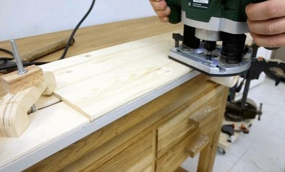 Простая направляющая для выравнивания кромок фрезером