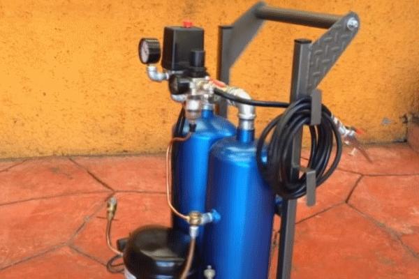 Воздушный компрессор из двух старых огнетушителей